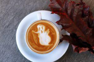 café fantôme halloween automne